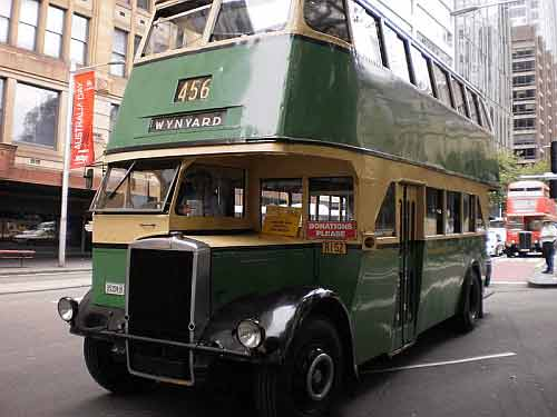 Picture of old Sydney bus.